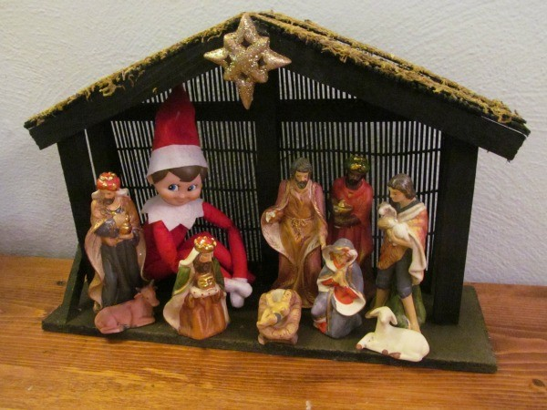 Love these Christian Elf on the Shelf ideas! Especially the elf in the nativity :)