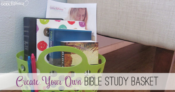 Make Bible reading easier and more convenient with these great resources -- all assembled in a handy Bible Study Basket!