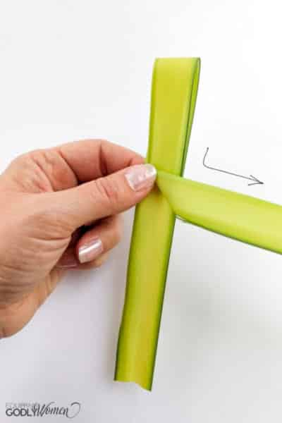 Making-a-Palm-Cross-Instructions-3