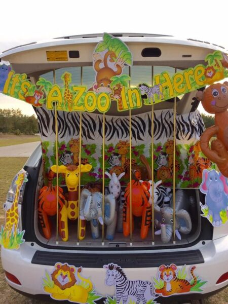 It's a Zoo in Here Trunk-or-Treat Ideas